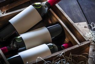 Jak wybrać etykietki na wódkę weselną?