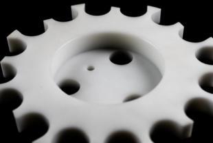 Obróbka tworzyw sztucznych na maszynach CNC