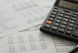 W jakim celu przeprowadza się badania sprawozdania finansowego i kto musi poddać się takiemu badaniu?