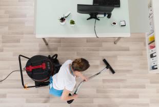 Sprzątanie w firmie – kilka powodów, aby zlecić to fachowcom!