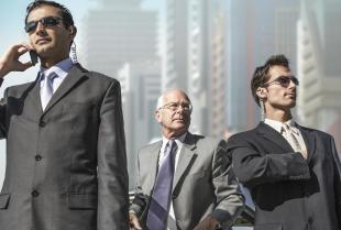 Jakie usługi dla biznesmena znajdziemy w ofercie agencji ochroniarskich?