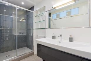 Kiedy zdecydować się na kabinę prysznicową na zamówienie?