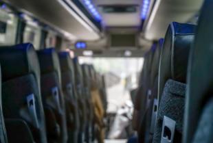 Wpływ wyposażenia autokarów na komfort podróżowania
