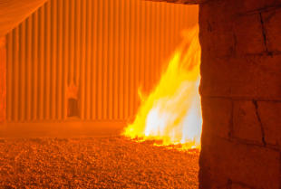 Czym są materiały ogniotrwałe a czym surowce ceramiczne?