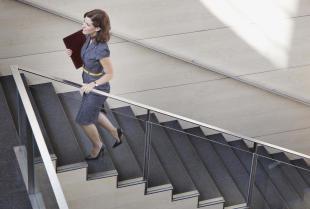 Dlaczego warto zdecydować się na balustrady ze stali nierdzewnej?