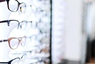 Co warto wiedzieć o okularowych szkłach progresywnych?