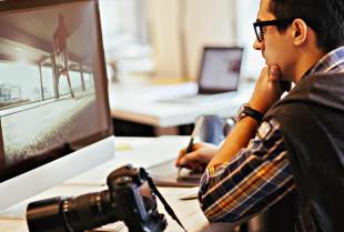 Jak naprawić stare fotografie? Renowacja i rekonstrukcja zdjęć