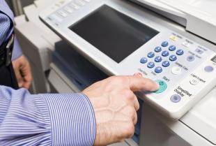 Podstawowe wyposażenie biurowe – drukarki i urządzenia wielofunkcyjne