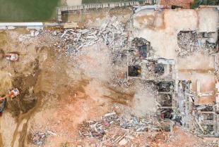 Zastosowanie materiałów wybuchowych przy wyburzaniu obiektów budowlanych
