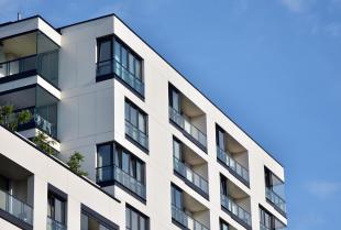 Zabudowa balkonu – czy warto się na nią zdecydować?