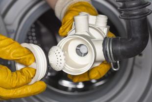Jak rozpoznać awarię pompy odpływowej w pralce?
