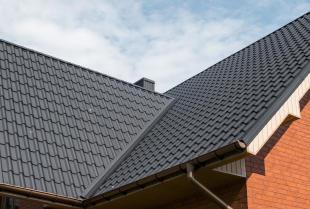 Wybór dachówek do domu – ceramiczne czy betonowe? .