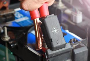 Akumulatory do samochodów ciężarowych – garść przydatnych informacji